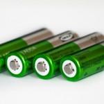 アルカリ電池とマンガン電池の違いと使い分けは?